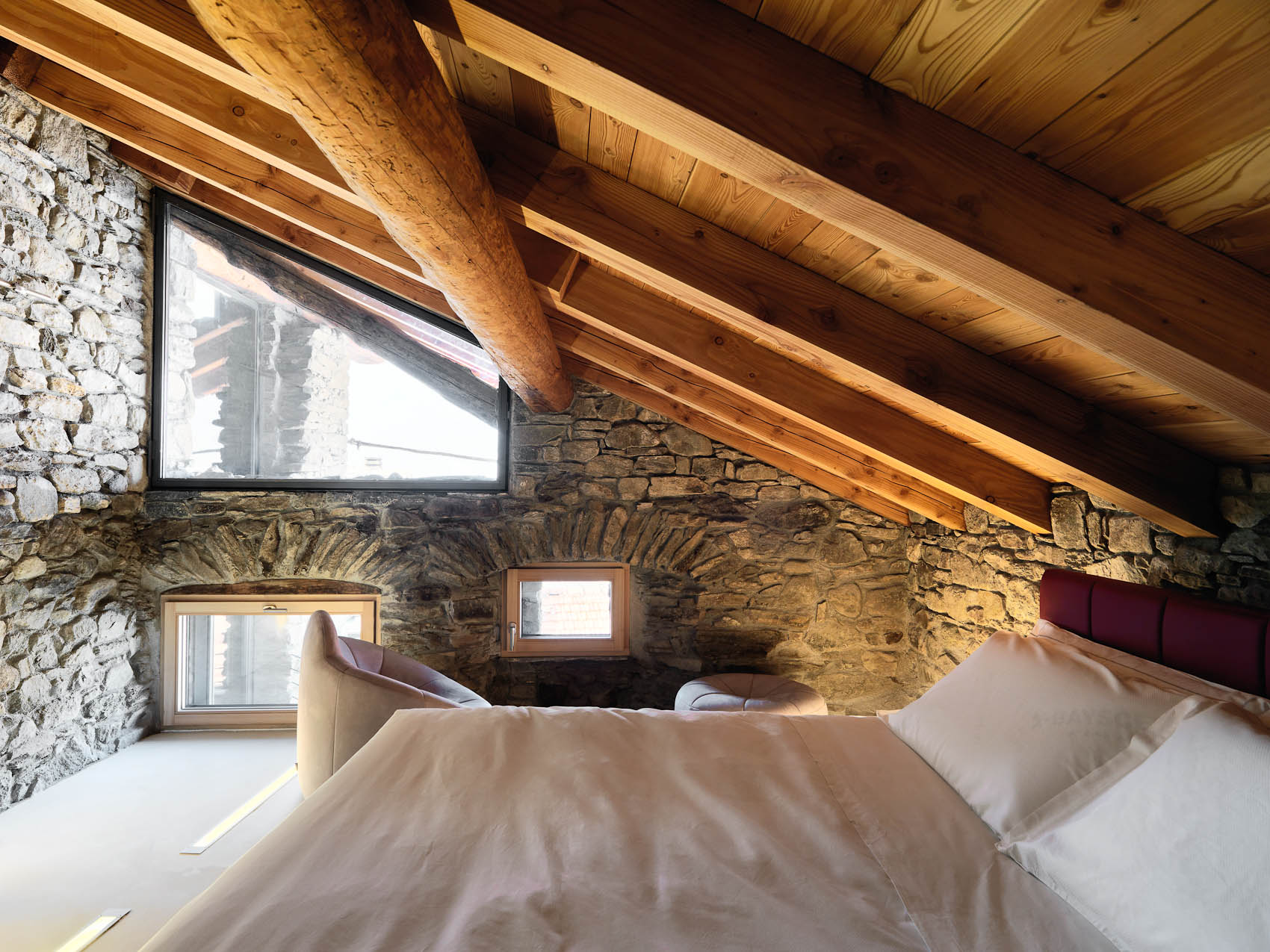 Bed breakfast in country house charm and design aosta valley for Idee di design di chalet
