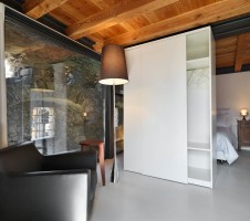 Bedroom – Furniture / Wall
