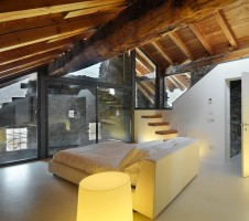 Bedroom with loft / relaxation lounge 2